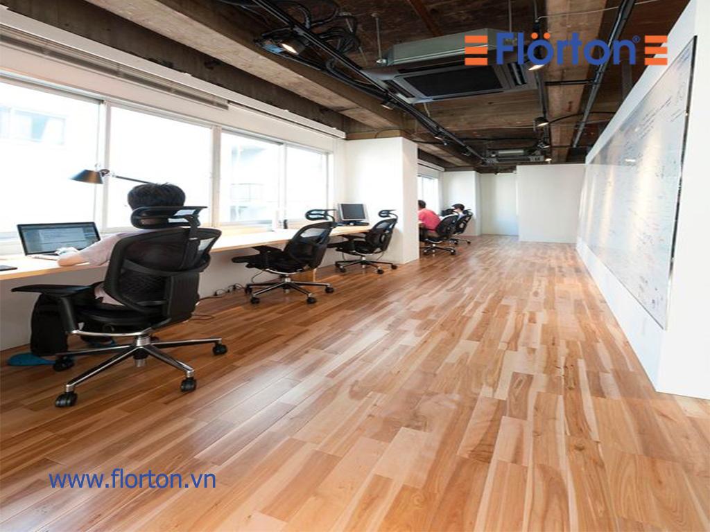 Những văn phòng nhỏ thì nên chọn loại có độ dày 8mm để căn phòng không có cảm giác bị thu hẹp diện tích.