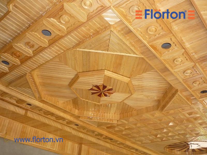 Ốp trần trong nhà bằng gỗ công nghiệp