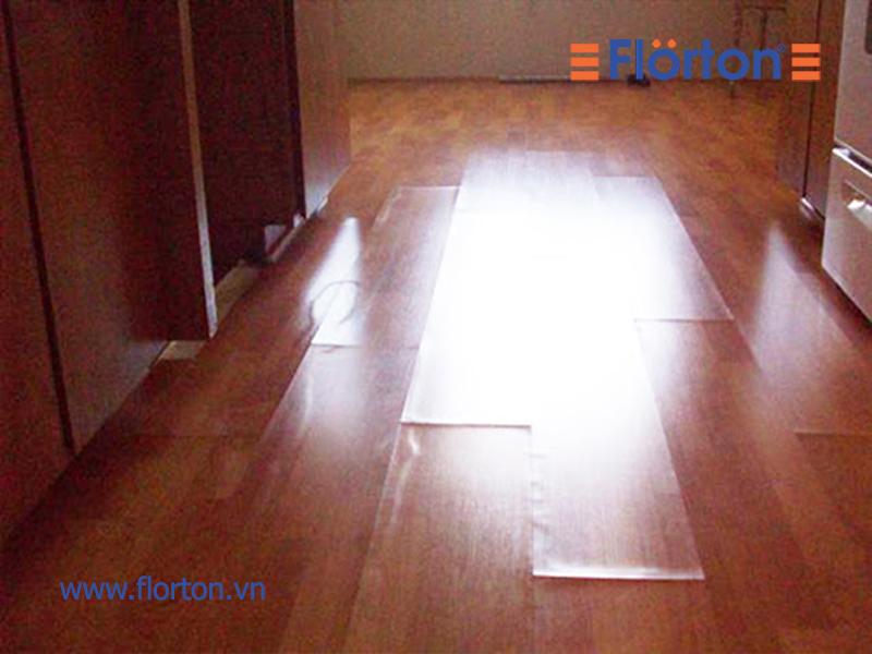 Sàn gỗ công nghiệp bị phồng rộp do độ ẩm cao