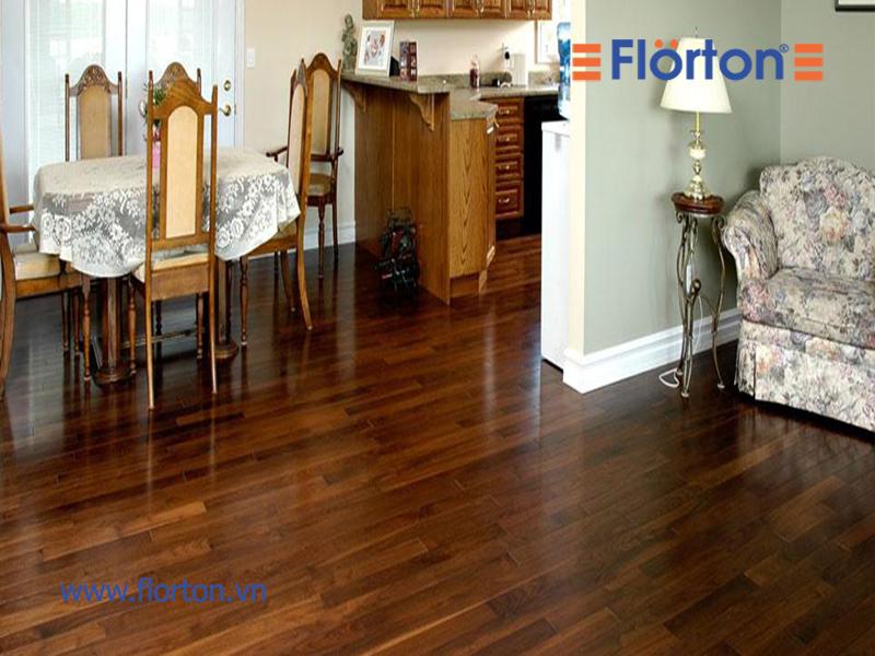Sàn gỗ công nghiệp Việt Nam lắp đặt phòng khách sang trọng