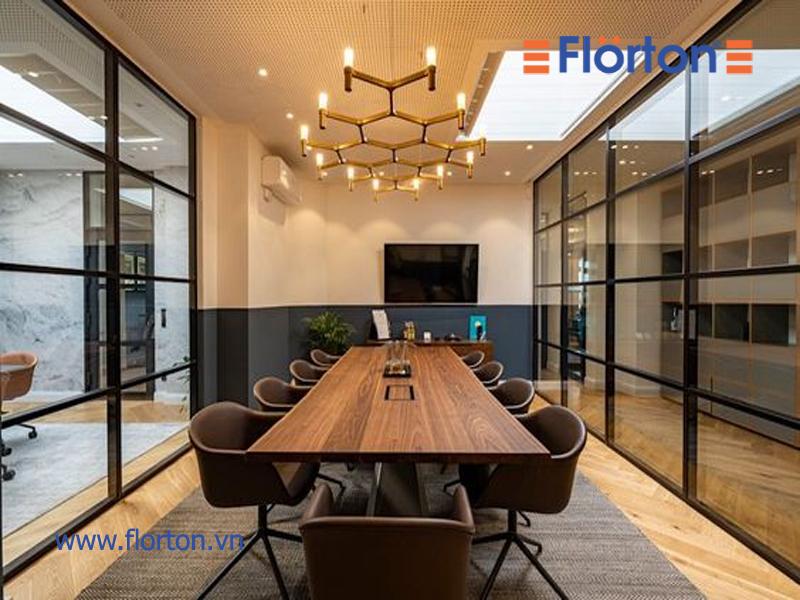 Sàn gỗ Florton lắp đặt văn phòng hiện đại, chuyên nghiệp